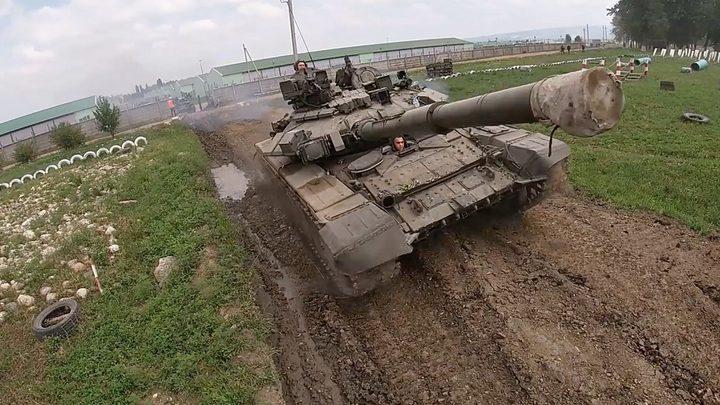 """إيران تطور دبابة """"تي - 72 إس"""" الروسية"""