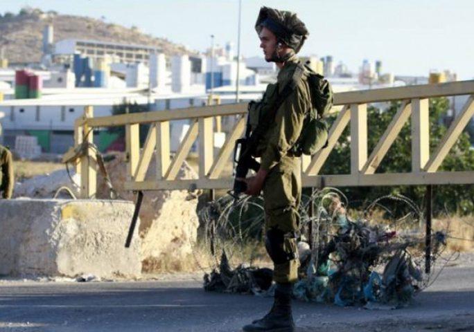 قوات الاحتلال تغلق مدخلي النبي صالح وعابود شمال غرب رام الله