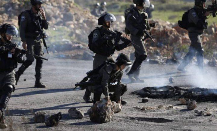 إصابات واعتقالات خلال قمع الاحتلال وقفة احتجاجية في طولكرم