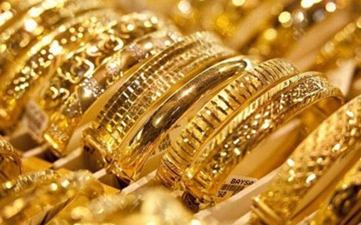 تراجع الذهب بضغط من قوة الدولار