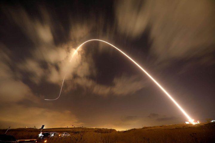 الاحتلال يزعم اعتراض القبة الحديدية لصاروخين اطلقا من قطاع غزة