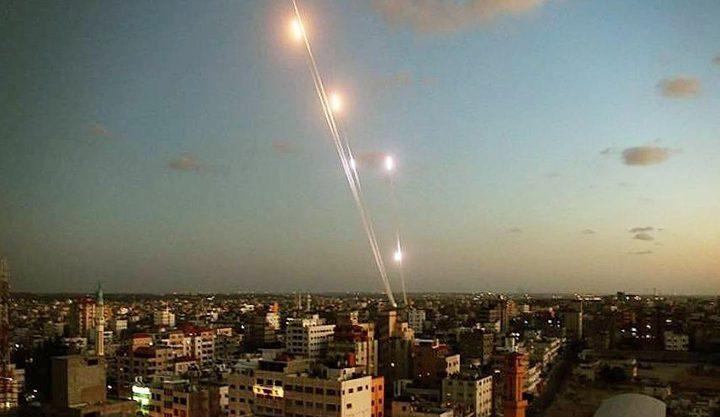 الاحتلال يزعم : 7 صواريخ أطلقت من غزة الليلة والقبة اعترضت 6 منها