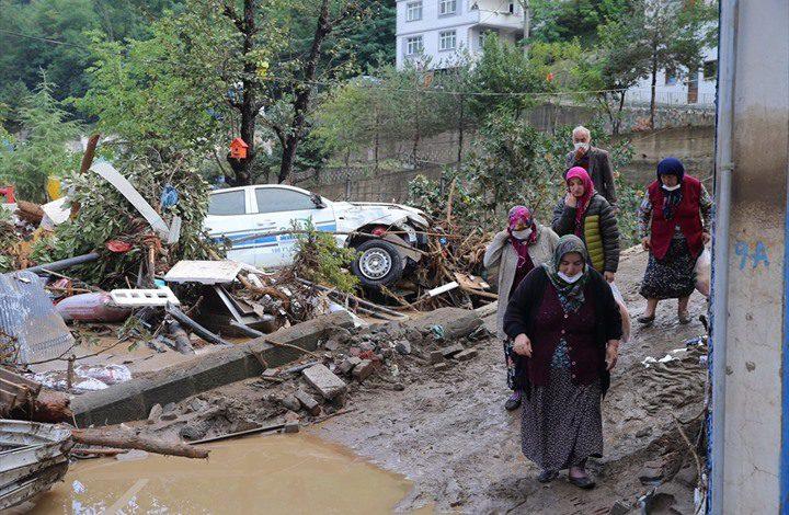 مقتل 6 أشخاص جراء السيول في شمال تركيا