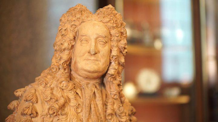 """المتحف البريطاني يزيل تمثال هانز سلون بسبب """"العبودية"""""""