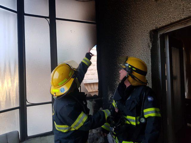 إصابة في حريق ببناية سكنية بمنطقة الجليل