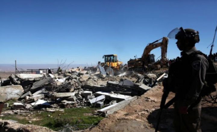 سلطات الاحتلال تخطر بالهدم ووقف البناء لمنازل غرب بيت لحم