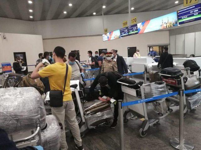 التحالف يؤمن طائرة لنقل 61 ضابطا يمنيا من روسيا