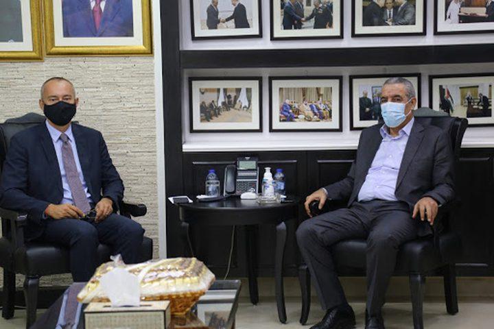 الوزير الشيخ يطلع ميلادينوف على آخر تطورات الوضع السياسي