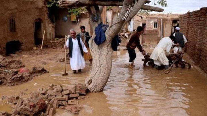 وفاة 162 شخصاً جراء الفيضانات في أفغانستان