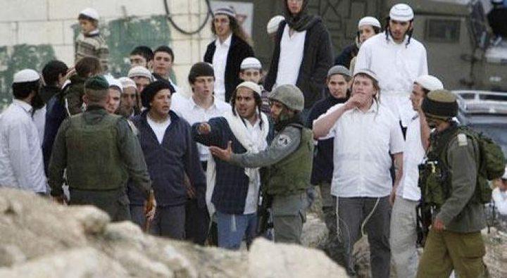 مسيرة للمستوطنين شرق بيت لحم بحراسة من قوات الاحتلال