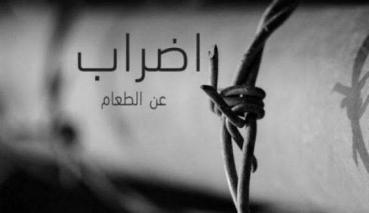 4 أسرى يواصلون إضرابهم عن الطعام رفضا لاعتقالهم الاداري