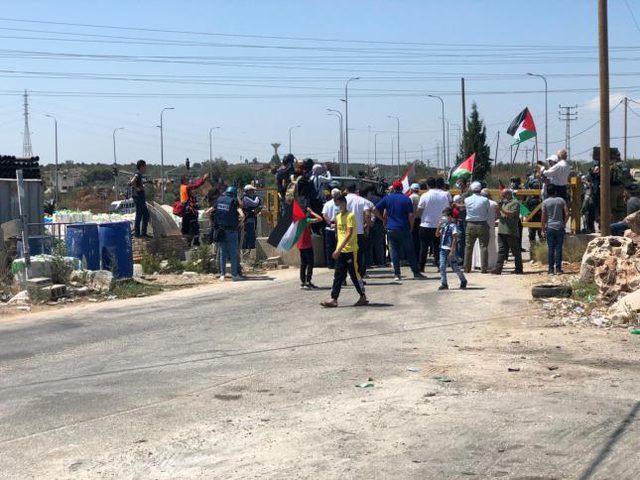 سلفيت: قوات الاحتلال تقمع مسيرة في قرية حارس