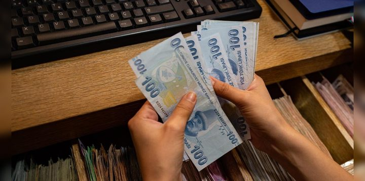 فرنسا: سرقة 10 ملايين دولار في وضح النهار !
