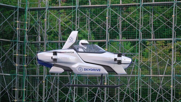 شركة يابانية تنجح في اولى تجاربها لسيارة طائرة