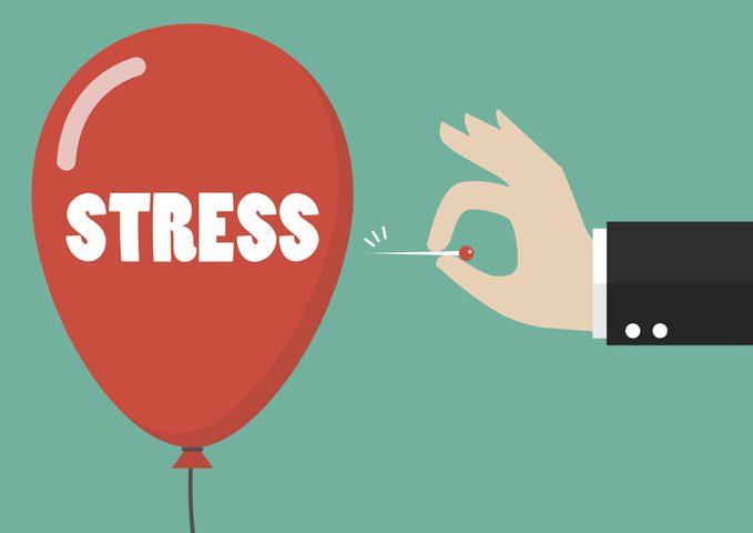 دراسة تحذر: شعورك بالتوتر يصيبك بالسمنة
