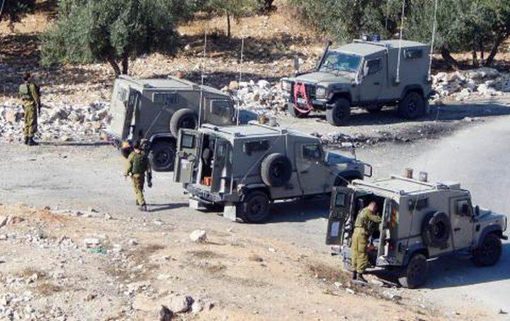 الاحتلال يقتحم بلدة تقوع ويستولي على كمية من الحجر جنوب بيت لحم
