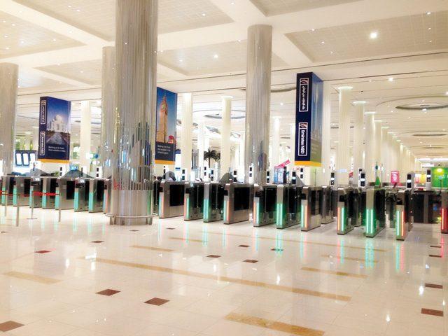 مطار دبي يشغل البوابات الذكية باستخدام جوازات السفر في المبنى 3