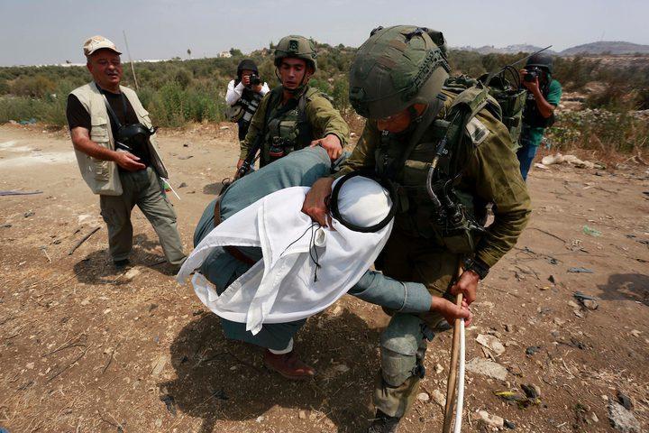 جنود الاحتلال يعتدون على مسن فلسطيني بالضرب جنوب طولكرم