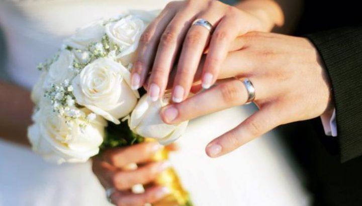 ما تفسير حلم الزواج للعزباء من شخص معروف؟