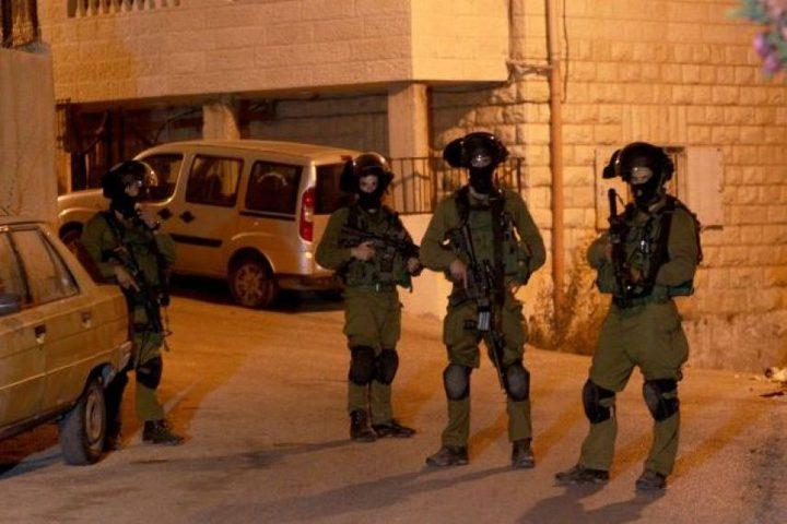 قوات الاحتلال تقتحم جنين وتستولي على مركبة