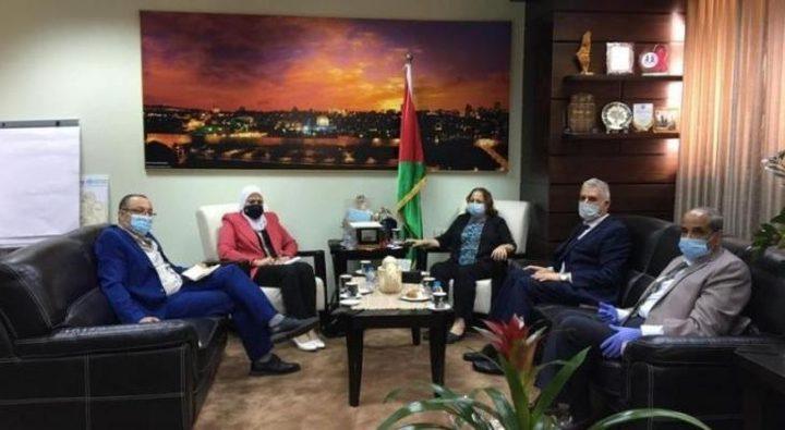 الوفد الوزاري يواصل لقاءاته وتفقد القطاعات في غزة