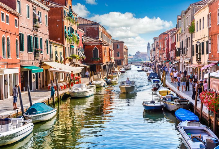 كورونا يتسبب بخسائر فادحة للموسم السياحي في إيطاليا