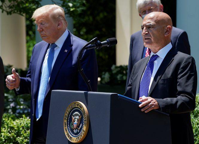 عالم عربي يرفض الخضوع لضغوط أمريكية بسبب لقاح كورونا
