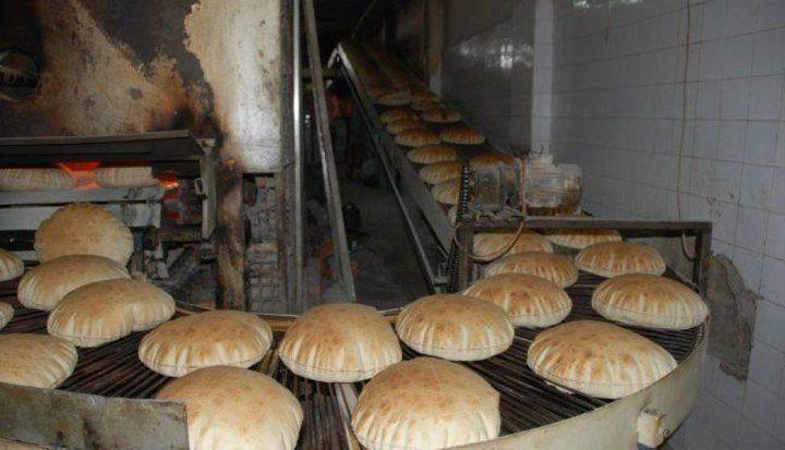 """""""الضابطة الجمركية""""يوقف مخبز عن العمل في الخليل"""