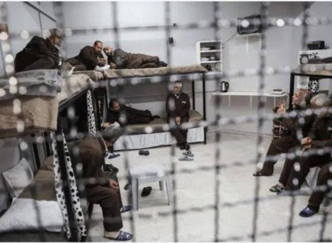 الهيئة: ما يتعرض له الأسرى في سجون الاحتلال صورة مصغرة عن الخارج
