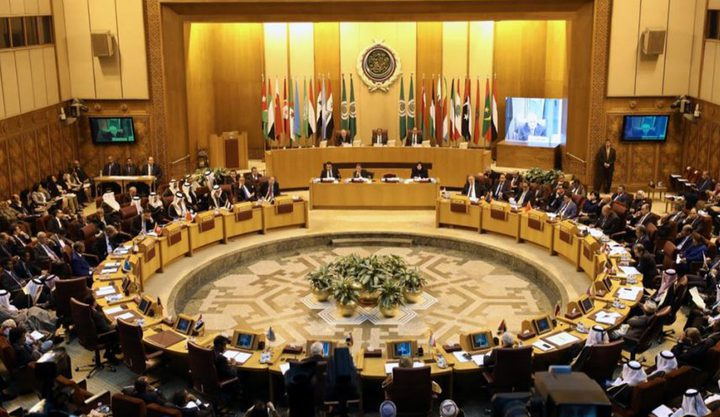العرب يرفضون إدانة التطبيع
