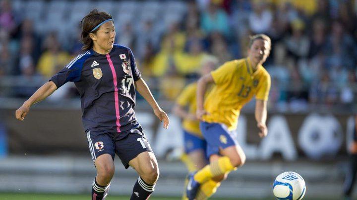 لاعبة يابانية ستنضم لفريق كرة قدم للرجال