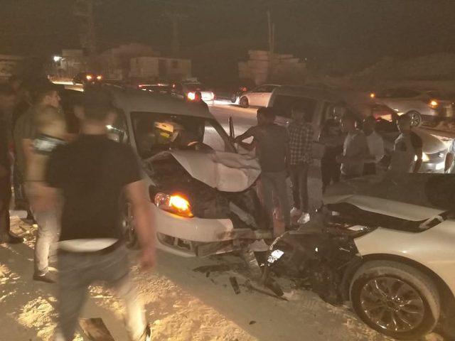 """اصابة مواطنيْن بحادث تصادم مركبتين على طريق """"جنين- نابلس"""""""