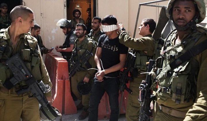 قوات الاحتلال تنكل بشابين وتحتجزهما شمال شرق جنين