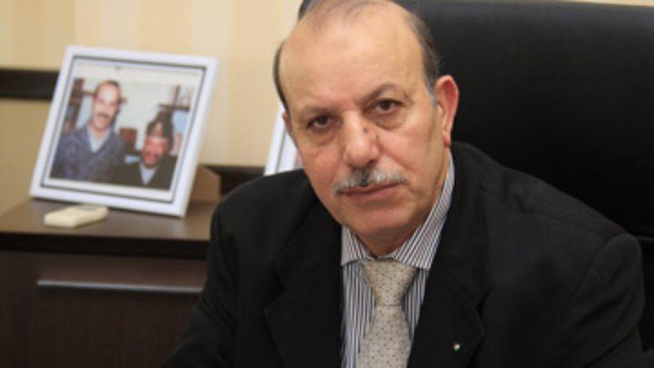 سفير فلسطين في البحرين يغادر السفارة إلى الوطن