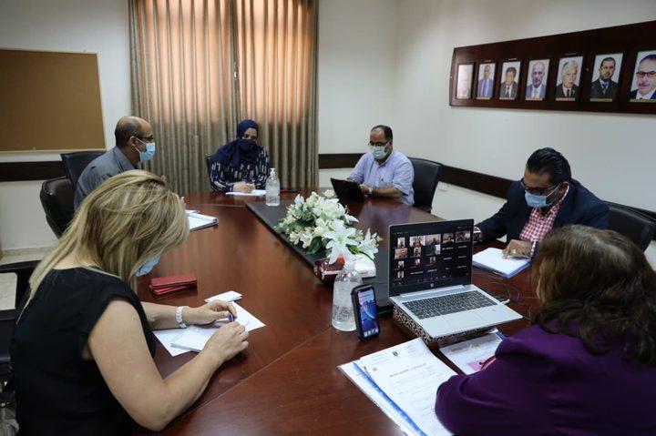 اللجنتانالوطنية للأوبئة وكورونا تبحثان مستجدات الوضع الوبائي