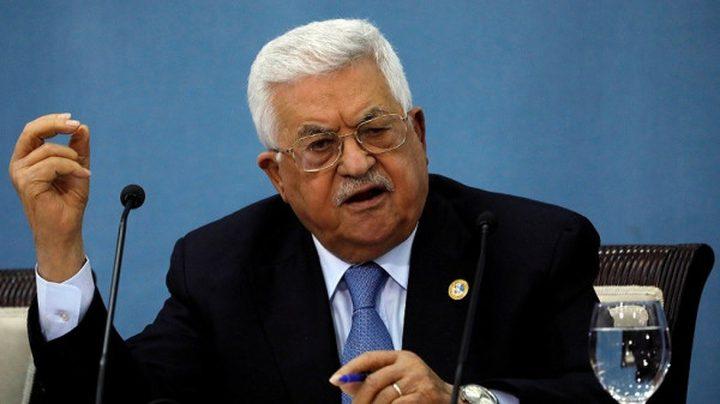 الرئيس محمود عباس  يعزي بوفاة الكاتب حسن الكاشف