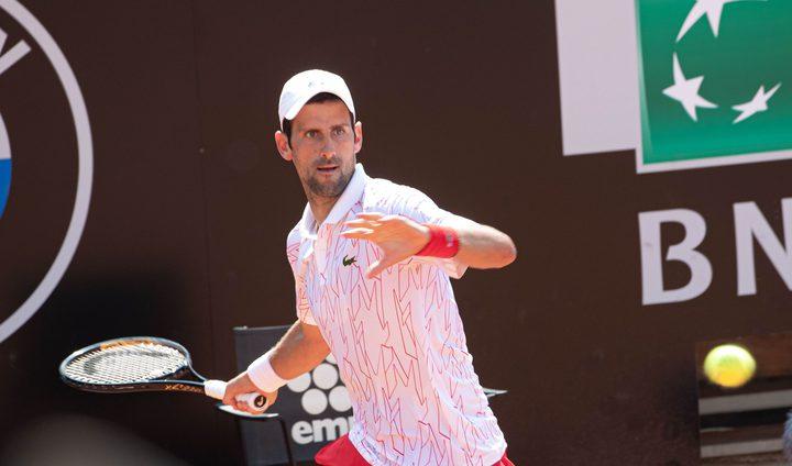 بأريحية..ديكوفيتش يفوز على كاروسو في بطولة إيطاليا المفتوحة للتنس