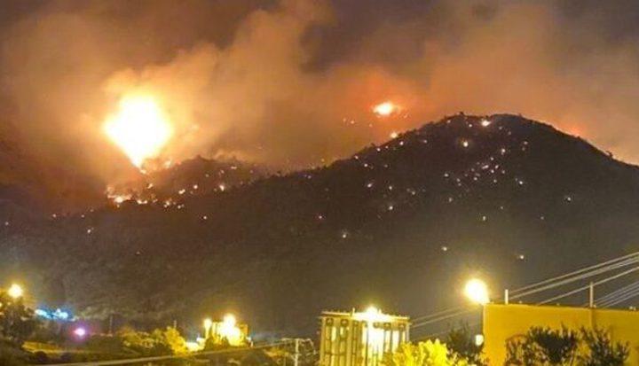 مكة المكرمة: إندلاع حريق ضحم في أحراش حبل عمد