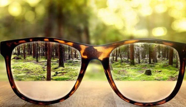 دراسة: ارتداء النظارات يحمي من الإصابة بكورونا