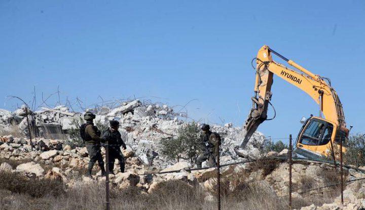 الاحتلال يخطر بهدم منزلين في واد الحمص ببيت لحم