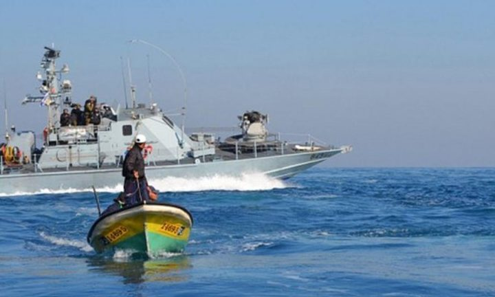 زوارق الاحتلال تطلق النار تجاه الصيادين شمال قطاع غزة