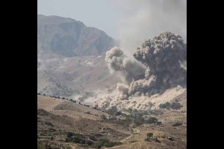 مقتل 12 مدنيا خلال قصف جوي استهدف قاعدة لطالبان