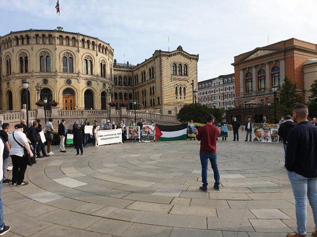 وقفة أمام البرلمان النرويجي رفضاً لاتفاقيات التطبيع مع الاحتلال