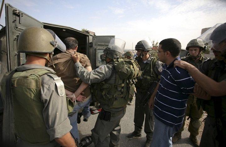 الاحتلال ينكل بثلاثة أسرى أثناء عملية اعتقالهم