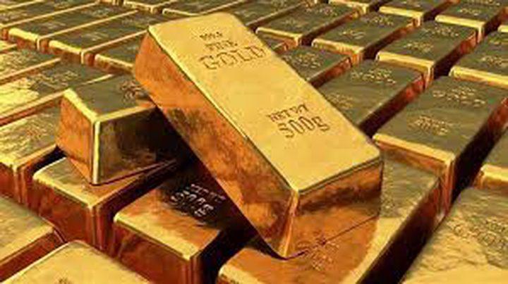 ضعف الدولار يرفع أسعار الذهب