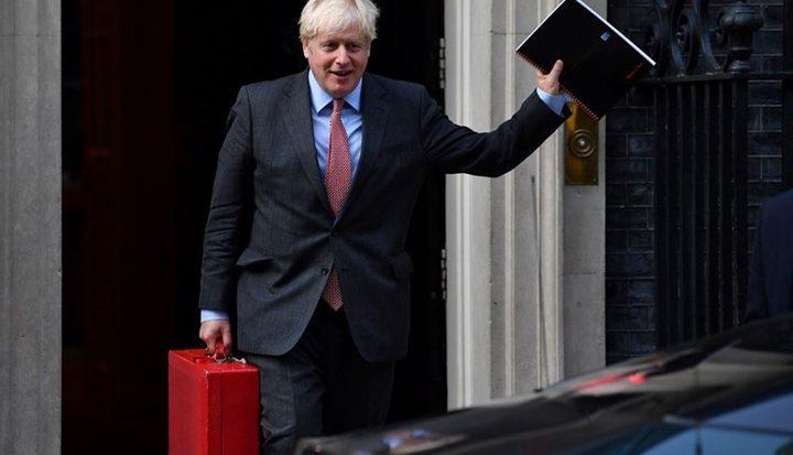 صحيفة بريطانية: جونسون سيطلب العودة للعمل من المنازل
