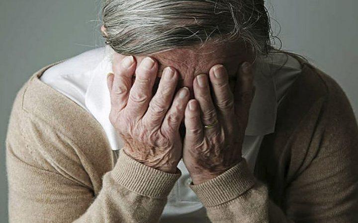 تحذير.. النوم على المعدة يزيد خطر الإصابة بالزهايمر