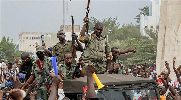 فرنسا تطالبالمجلس العسكري في مالي بتسليم السلطة للمدنيين