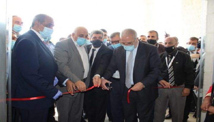 وزير النقل والمواصلات يفتتح مبنى مديرية الوزارة الجديد في أريحا