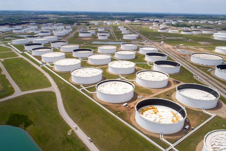 ارتفاع مخزونات النفط الأمريكية وهبوط بمخزون البنزين